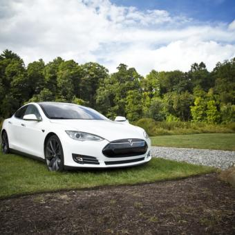 Jízda v elektromobilu Tesla