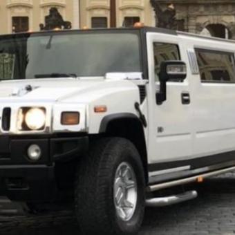 Jízda v Hummer limuzíně