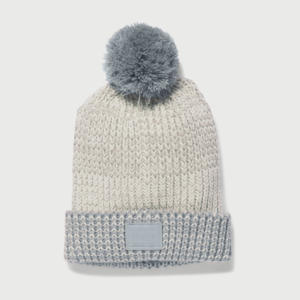 Čepice Under Armour Girls Shimmer Pom Beanie Šedá